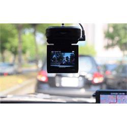 מצלמת דרך DV לרכב עם צג LCD ותאורה לצילום לילה - הסוף לדוחות מיותרים !!!